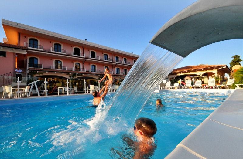 Hotel villa elena tortoreto - Hotel con piscina abruzzo ...